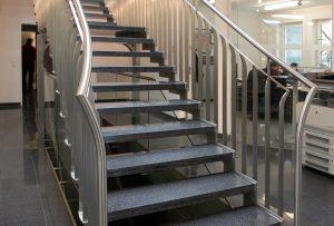 Geländer, Treppen, Nurglasgeländer, Stiegengeländer, Stahlgeländer, Nirosta- und Messinggeländer, Drahtseilgeländer